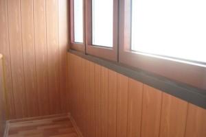 otdelka-balkona-panelyami-mdf